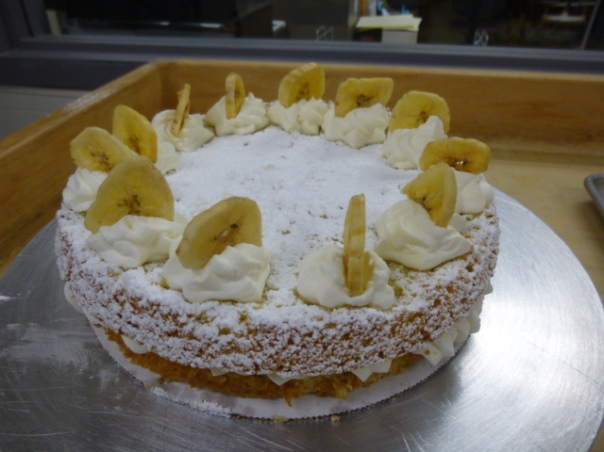 banana cream hazelnut torte 1